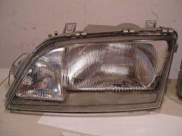 Opel omega A světla