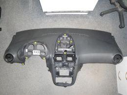Corsa D palubka s airbagem