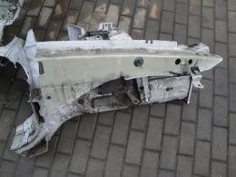 BMW 3 E90 podběh pravý