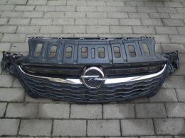 Opel corsa E maska