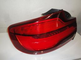 BMW 2 F22 facelift zadní lampa