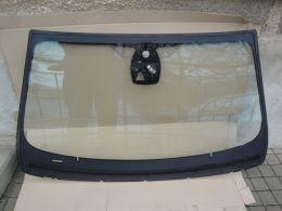 BMW 6 F12 čelní sklo